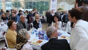 Meclis Üyeleri, Basın Mensupları ve Belediye Personeli İftarda Buluştu
