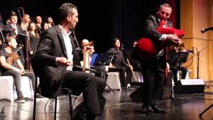 Türk Halk Korosu Konser Verdi