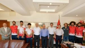 Alim, Tunceli'de Rafting Dünya Şampiyonu 2. Olan Takımını Tebrik Etti