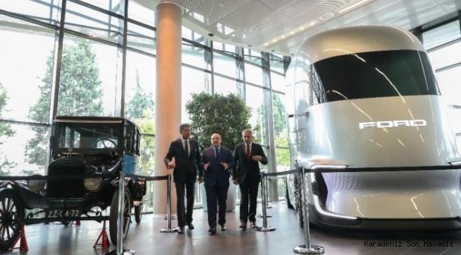 Bakan Varank'tan Ford Otosan Ar-Ge Merkezi'ne ziyaret