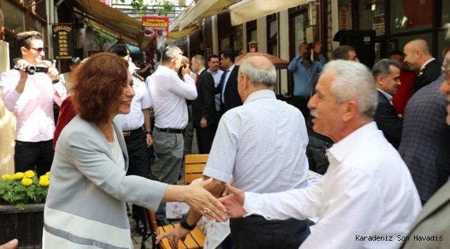 Tarihi Çarşı Asmaatı'nda Ramazan Bayramı Coşkusu