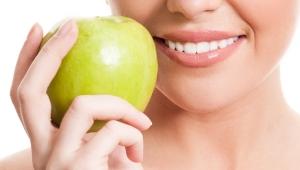 Bu Yiyecekler Diş Sağlığınızı Korumaya Yardımcı Oluyor!