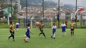 Çay ve Yaz Sporları Festivali minikler futbol turnuvasıyla başladı