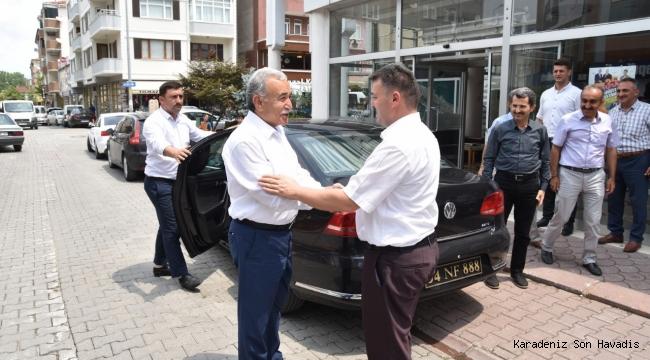 """""""Eski Vali'den Başkan Sarı'ya Ziyaret"""""""