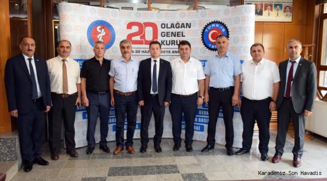 GMİS, SAĞLIK-İŞ SENDİKASI'NI ZİYARET ETTİ