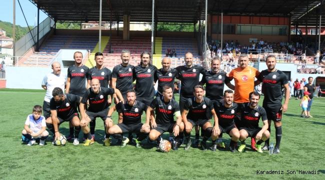 Türkiye Veteranlar Şöhretler Futbol Karması Ile Kdz.Ereğlide