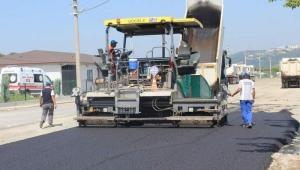 Arifiye'de Sıcak Asfalt Çalışmaları Sürüyor.