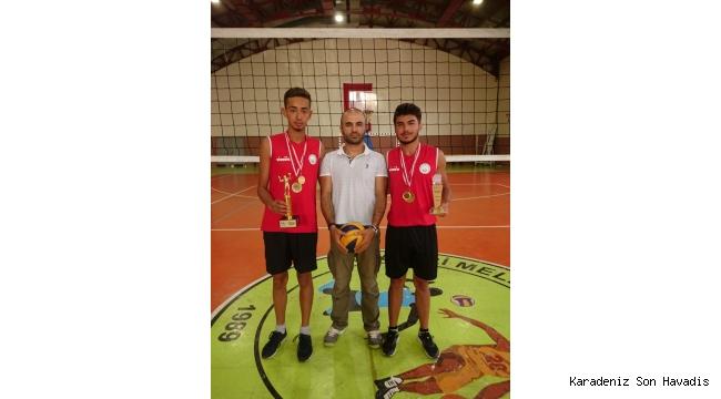 Melikgazi Spor Kulübü oyuncuları Türkiye şampiyonu oldu