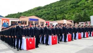 Trabzon Polis Meslek Eğitim Merkezi 23. Dönem Mezunlarını Verdi