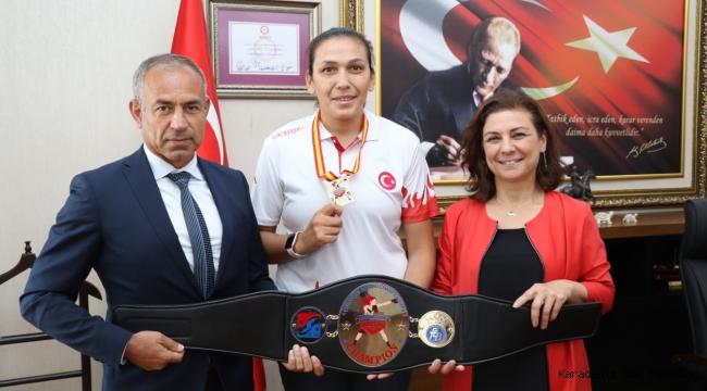 Avrupa Şampiyonu Güneri Başkan Köse'yi Ziyaret Etti
