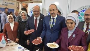 Emine Erdoğan, KTO standında...