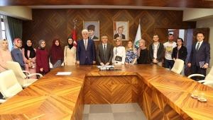 İŞKUR Bünyesinde Kamu Kurumlarında Çalışan Öğrenciler Vali Çeber'i Ziyaret Etti