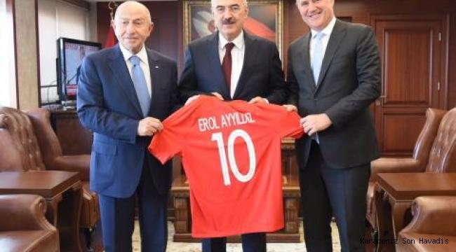 Başkan Özdemir, İzmir'de ziyaretlerde bulundu