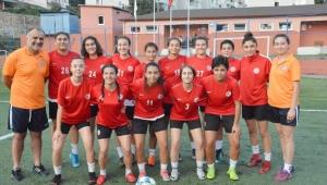 Kadın futbol takımı sezon hazırlıklarına başladı