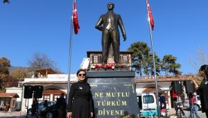 Atatürk Anıtı Yeniden Köyiçi'nde