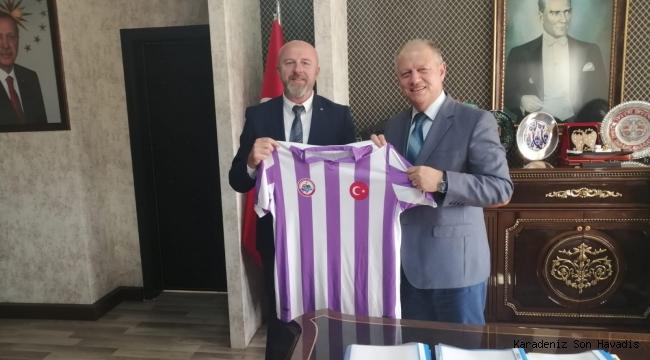 Kdz. Ereğli Belediyespor Yönetim Kurulu Kaymakam Çorumluoğlu'nu makamında ziyaret etti