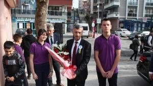 Vali Erdoğan Bektaş İbrahim Fikri Anıl Ortaokulunu Ziyaret Etti.