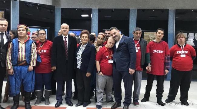 Dr. Süleyman Basa ''Cumhuriyetin Nazar Boncukları '' adlı fotoğrafsergisinin açılışına katıldı.