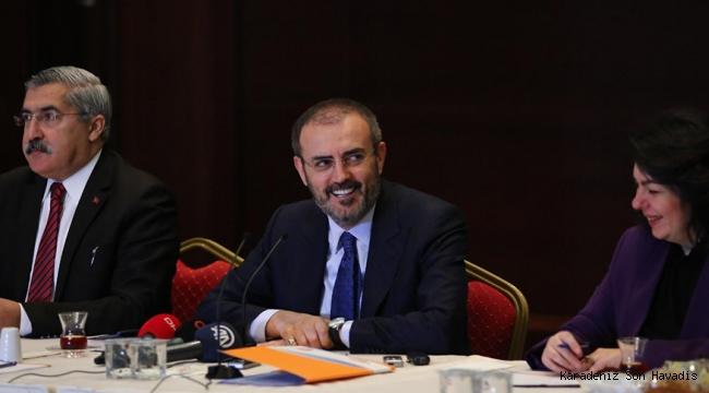 AK Parti Genel Başkan Yardımcısı Ünal, 10 OcakÇalışan Gazeteciler Günü dolayısıyla muhabirlerle bir araya geldi.