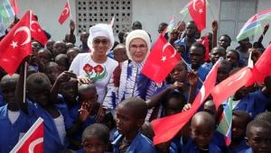 Emine Erdoğan, Gambiya'da TİKA tarafından tadilatı yaptırılan cami ve okulun açılışını yaptı