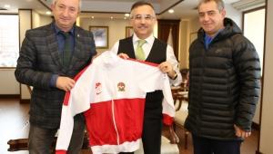 Türkiye Futbol Antrenörleri Derneğinden Vali Çeber'e Ziyaret