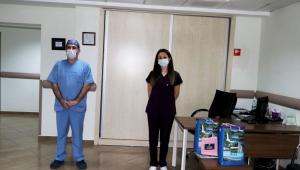 Rize'de 2 Sağlık Personeli Koranavirüsü Yenerek, Alkışlarla Görevlerine Döndü