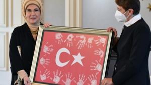 Emine Erdoğan, köy okullarındaki öğretmenlerle bir araya geldi