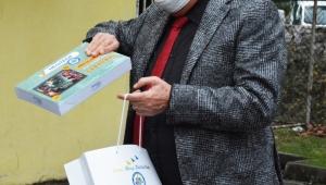 Belediye 100 öğrenciye tablet desteğinde bulundu