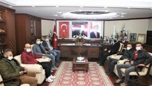 Ardeşen basını, gazeteciler gününde Ahmet Özcan'ı unutmadı