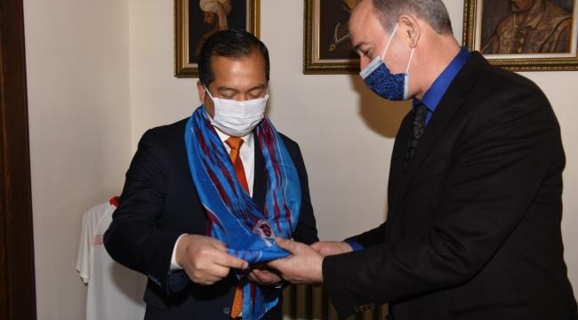 Endonezya Büyükelçisi'nden Büyükşehir'e ziyaret
