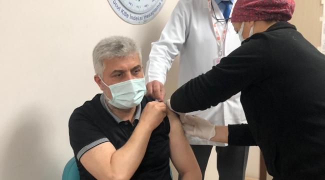 Milletvekili Dr. Adnan Günnar Covid-19 Aşısı Oldu