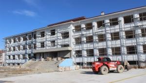 Arifiye'ye Üç Yeni Okul...