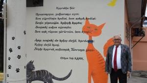 """Orhan Veli'nin """"Kuyruklu Şiir""""i Kasaplar Sokağı'nda"""