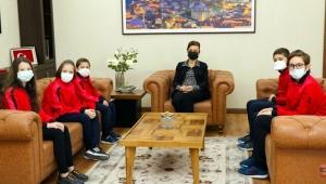 Zeka Şampiyonası öğrencilerinden Başkan Köse'ye ziyaret
