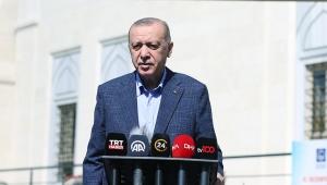 Cumhurbaşkanı Erdoğan, cuma namazı çıkışında soruları yanıtladı