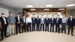 Hamza Dağ, Yüreğir Belediye Başkanı Kocaispir'i ziyaret etti