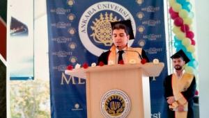 Rizeli Mehmet Akif Köseoğlu, Ankara Üniversitesi Fakülte birincisi oldu