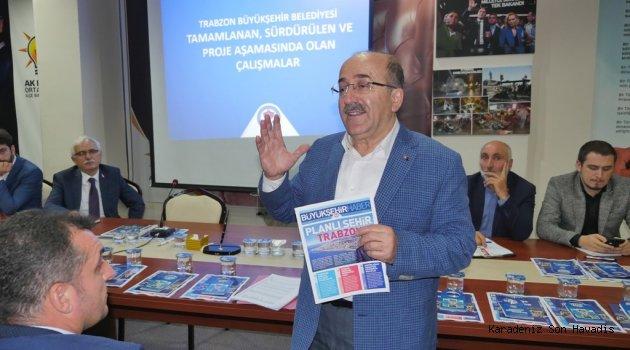 Başkan Gümrükçüoğlu, AK Parti teşkilatlarını bilgilendiriyor