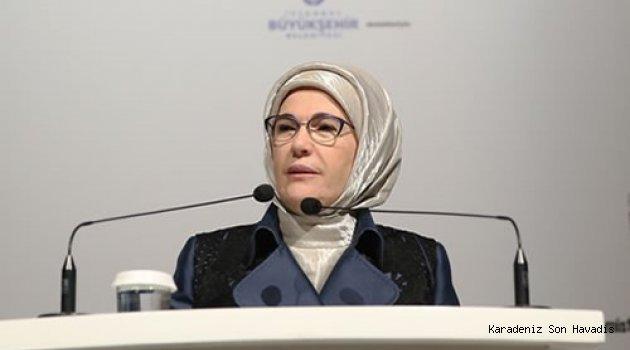 Emine Erdoğan, Perakendede Kadının Gücü Konferansı'na katıldı