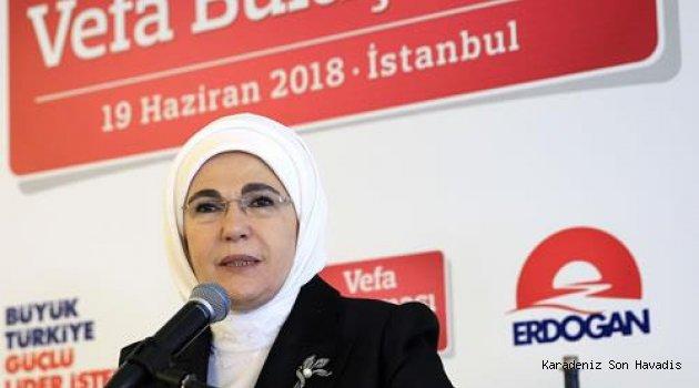Emine Erdoğan, Vefa Buluşması'na katıldı