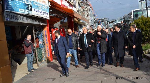 Esnaf ve vatandaşlar başkan adayı Şahin' i güzel karşıladı