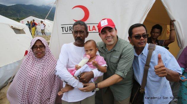 Kızılay'dan Endonezyalı afetzedelere gıda yardımı