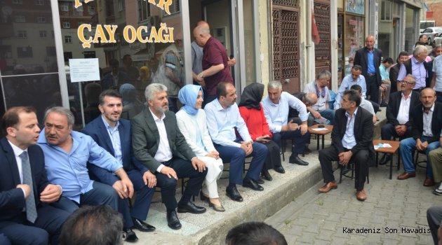 """""""MİLLETİMİZ YAPARSA, YİNE AK PARTİ YAPAR DİYOR"""""""