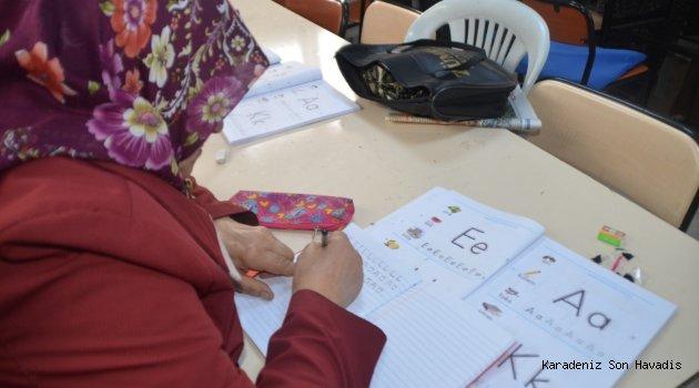 Safranbolu'da Okuma Yazma Seferberliği Devam Ediyor