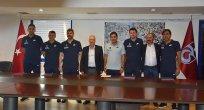 Karaman'ın yardımcıları Trabzonspor'a imza attı
