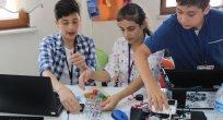 Öğrenciler Robotlarla Modelleme Yaptı