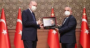 Cumhurbaşkanı Erdoğan, '6. Anadolu Medya Ödülleri' programında konuştu